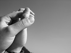 hands-1579237__180