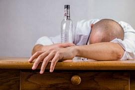 alcohol-428392__180